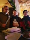 Weihnachten ist nicht mehr weit - Stollenanschnitt im Advent auf der Vorburg von Allstedt